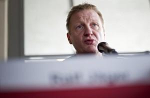 Ralf Jäger setzt sich eine niedrigere Promillegrenze für Radfahrer ein. Foto: dpa, dna lre