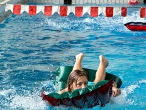 Schwimmen im Hardtbergbad: Aber der Streit geht weiter. Foto: Roland Kohls