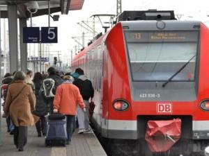 Noch endet die Linie der S 13 am Troisdorfer Bahnhof. Die Verlängerung bis nach Oberkassel soll 434 Millionen Euro kosten. Foto: Holger Arndt