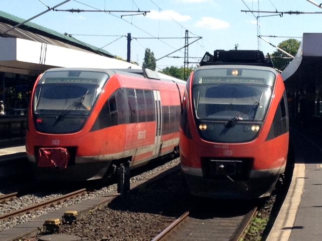Foto: derzeitige TALENT-Triebzüge auf der RB23