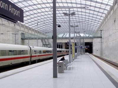ICE Köln Flughafen_by_Otmar Luttmann_pixelio.de