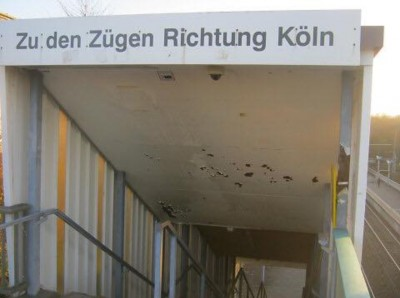 Bonn-Buschdorf Bf - Treppenabgang160602